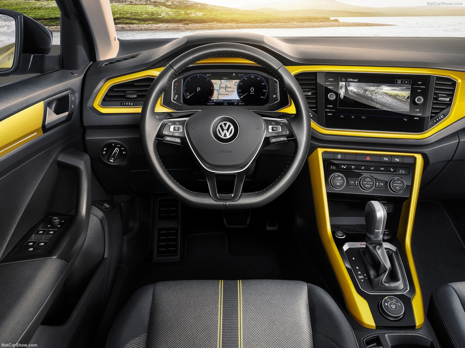 Volkswagen T-Roc photo 180813