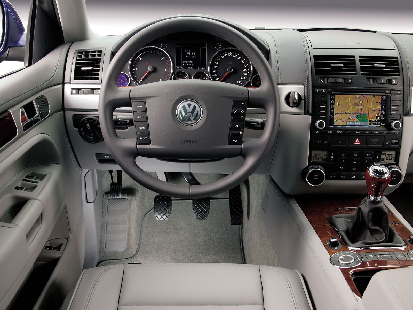 Volkswagen Touareg photo 17071