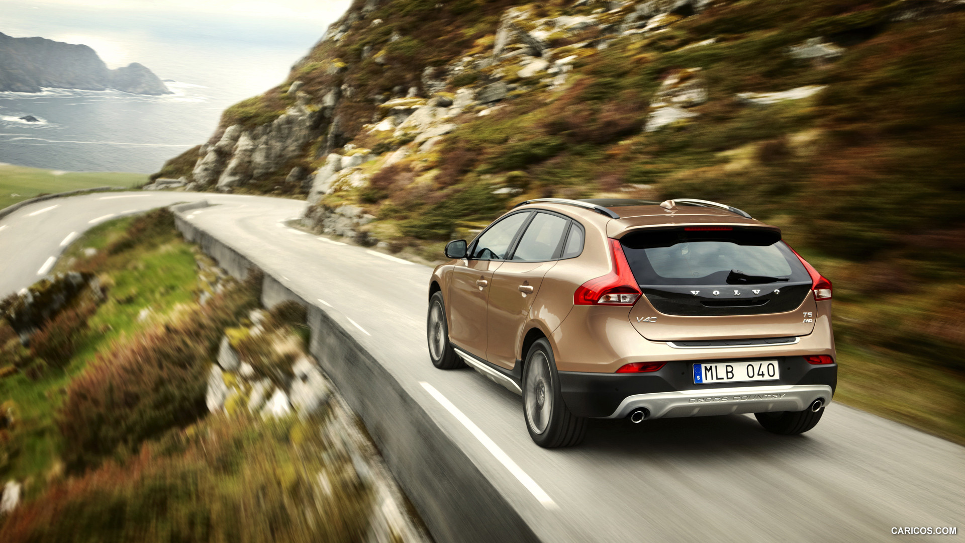 Volvo V40 Cross Country photo 126502