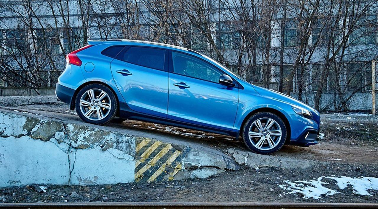 Volvo V40 Cross Country photo 155358