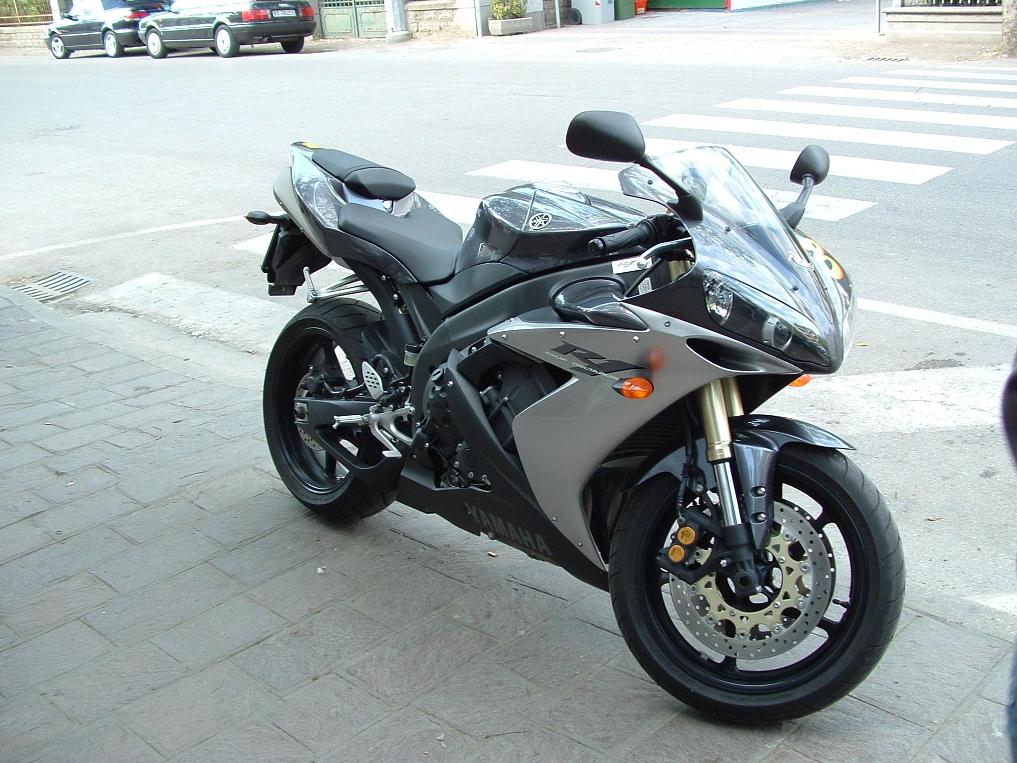 Yamaha YZF-R1 photo 21794
