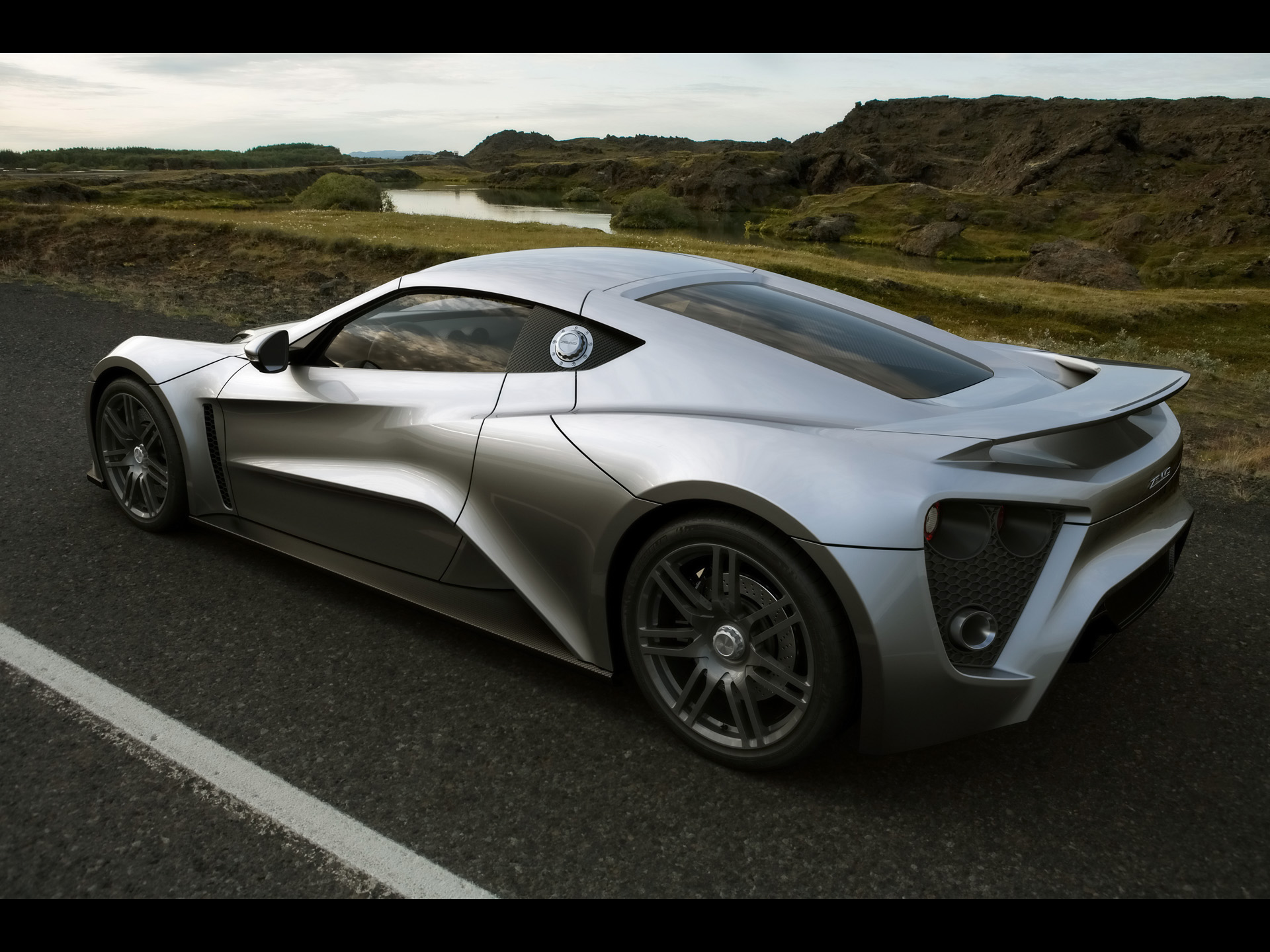 Zenvo ST1 photo 60260